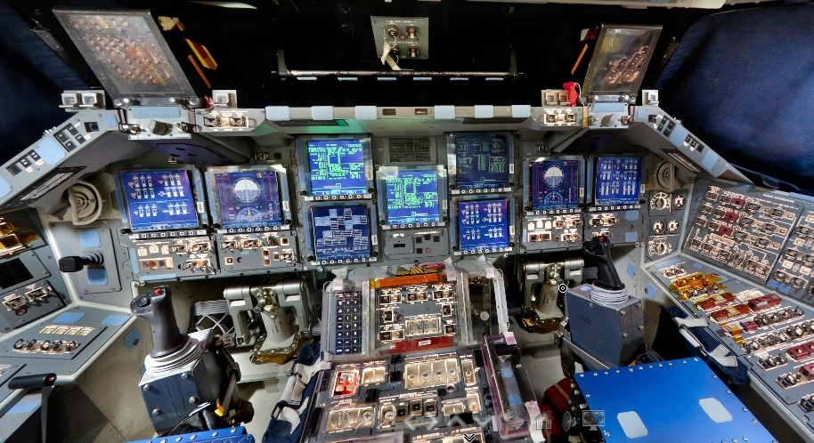 Explore the Space Shuttle Discovery's Flight deck at a 360 ...