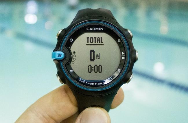 Garmin swim watch for tracking your aquatic workouts techglimpse for Garmin swim pool swimming watch